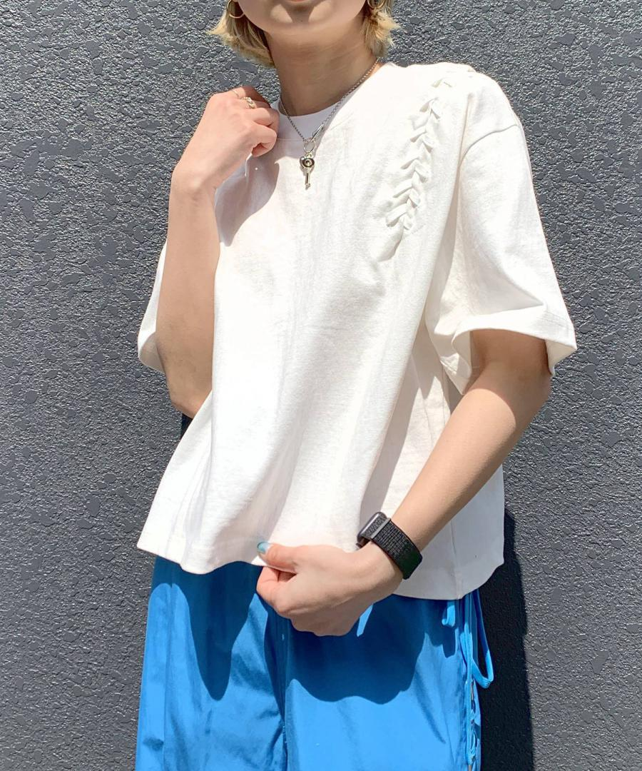 LACE-UP CROPPED TEE