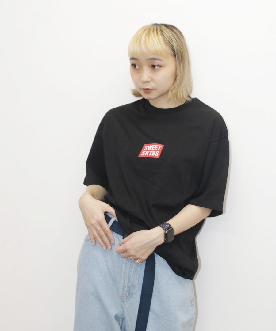 T-Shirt - Sweet 90s Loose Official Black