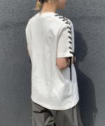 LACE-UP TEE