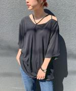 STRING CUT OUT TEE